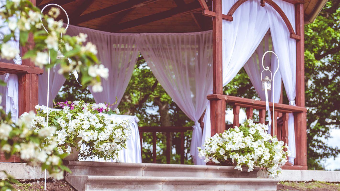 Как красиво украсить беседку на свадьбу своими руками фото
