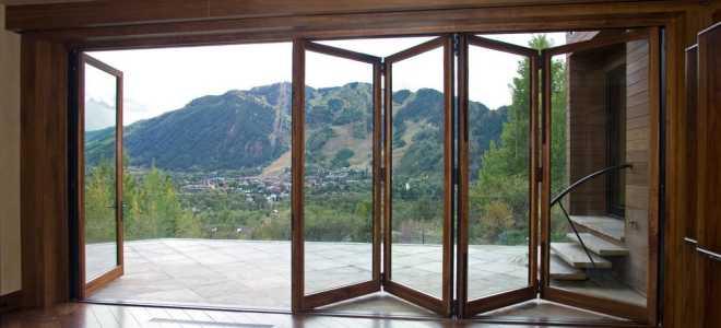 Дверь в беседку: идеи от раздвижных систем до деревянных ворот