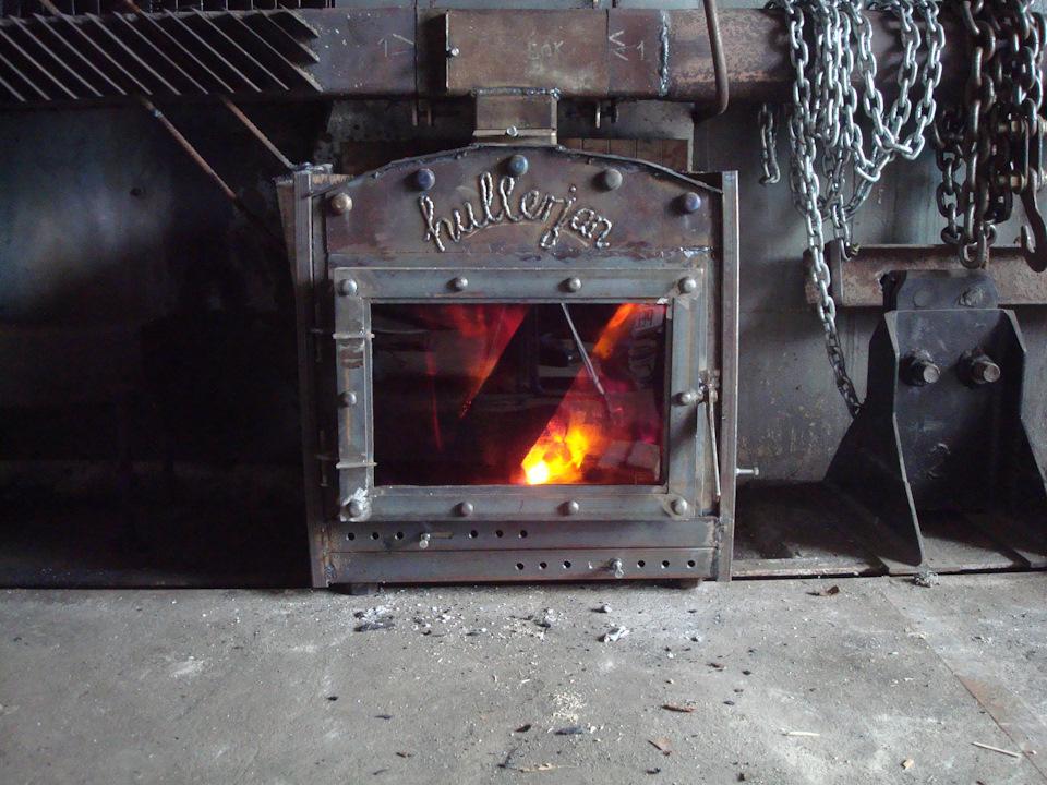 Металлический камин