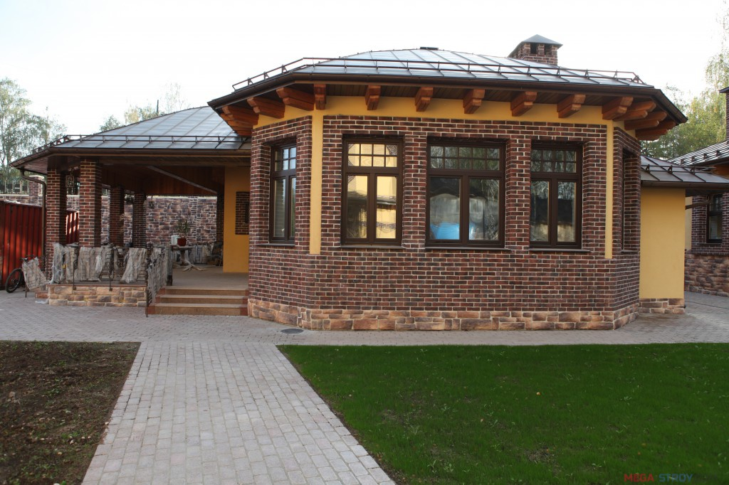 веранда из кирпича пристроенная к дому фото