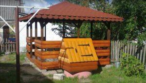 Беседка с коричневой крышей