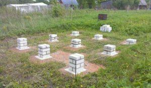 Укладка кирпичных блоков