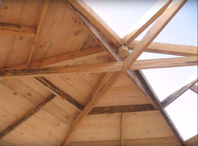 Шаг 9. Обшивка крыши