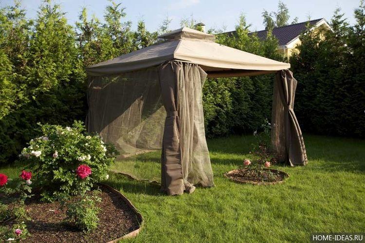 Открытый шатёр на траве