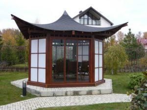 Беседка с китайском крышей