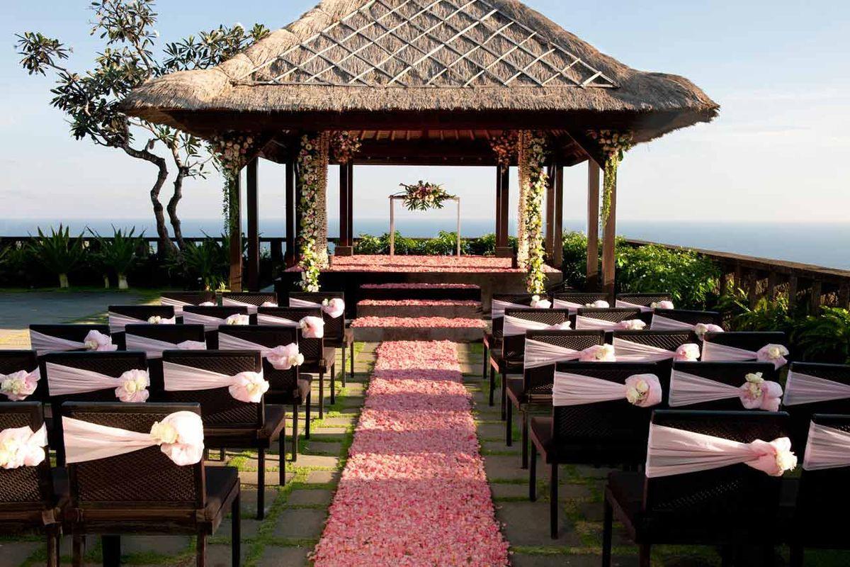 Свадебная зона для церемонии