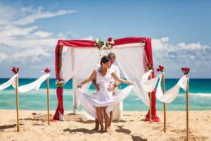Брак на пляже